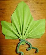 Cuisine traditions tourisme europ en f tes d coration cr ation bricolage art - Pliage de serviette en papier feuille ...