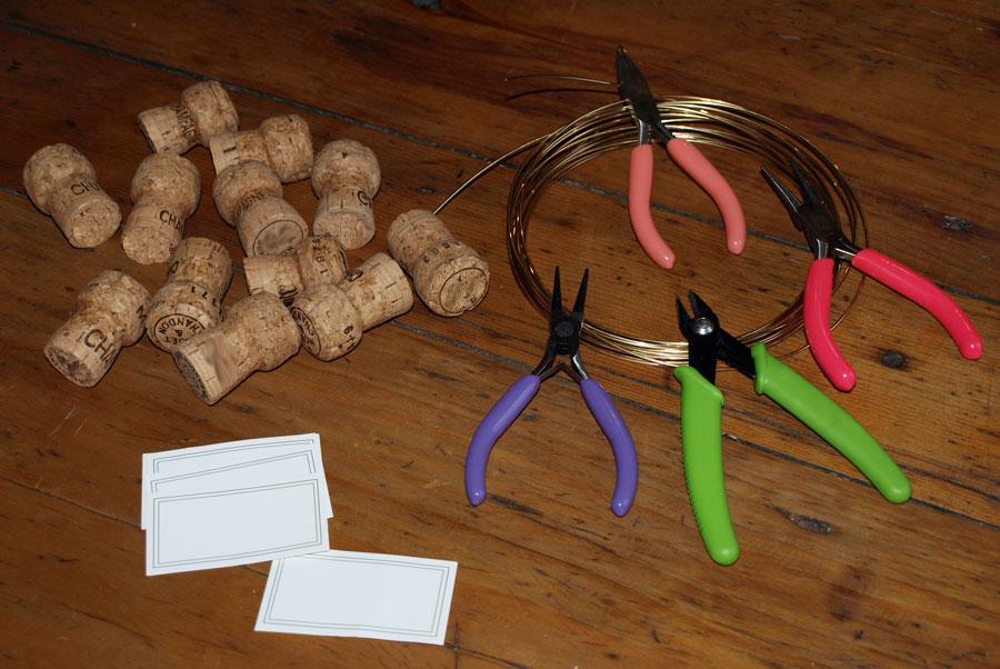 Porte noms avec des bouchons de champagne pour noel for Porte nom de table noel